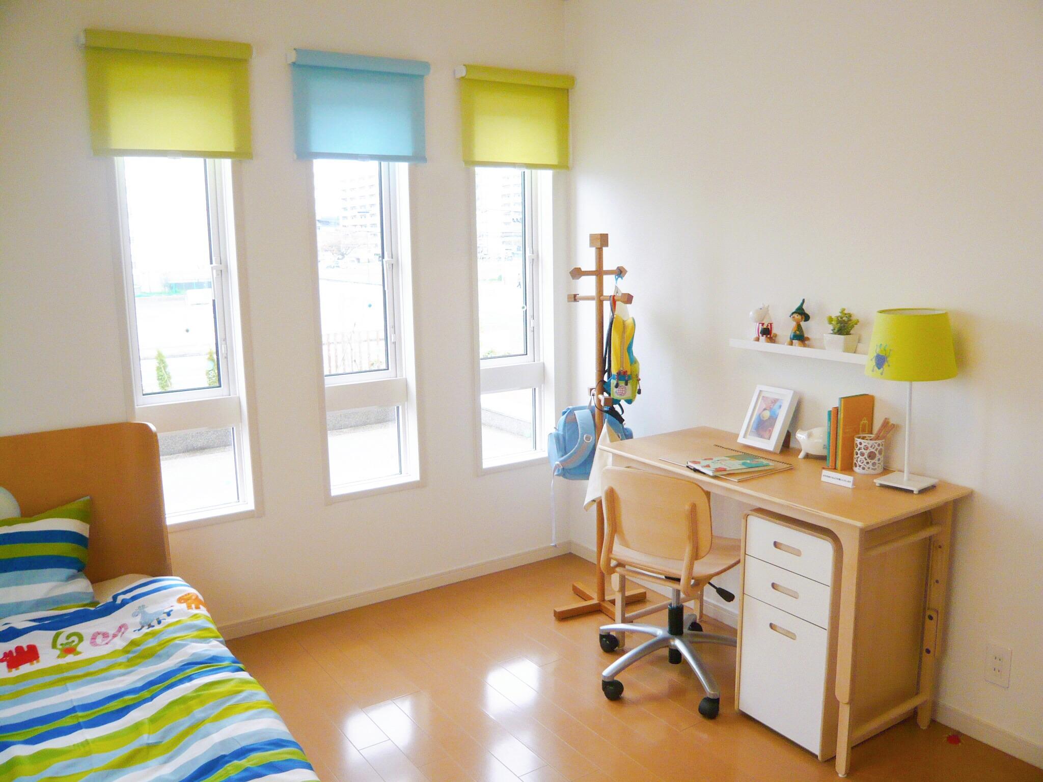 明るい子供部屋